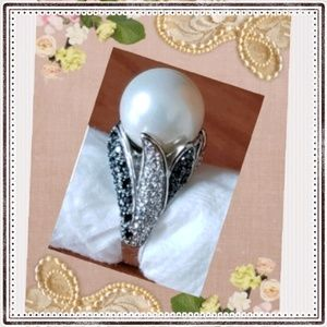 Jewelry - NWOT  Sterling silver fresh water pearl ring